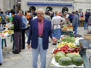 Dr Atkins pointing at a Melon